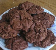 a fantastic cookie recipe, these delicious cookies are almost cakes, with a lovely soft texture that melts in your mouth, you will have the adults and children coming back for more! Triple Chocolate Chip Cookies, Chocolate Chip Recipes, Cookie Recipe Uk, Giant Cookie Recipes, Bbc Good Food Recipes, Sweet Recipes, Easy Recipes, Yummy Cookies, Cakes