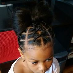 "40 Likes, 1 Comments - Braids, Twists& Bows (@braidstwistsandbows) on Instagram: ""#styled#naturalhairkids#hairspiration#bowhair#braidstwistsandbows"""