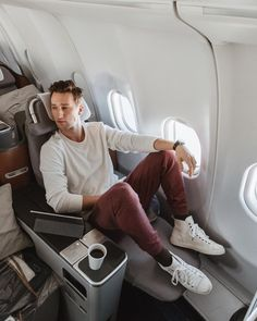 "4,514 Likes, 30 Comments - One Dapper Street (@marcelfloruss) on Instagram: ""Back Home ✈️ staying comfy in these @fruitoftheloom fleece sweats #sweetinsweats #fleece #ad"""