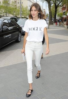 Alexa Chung ahead of her Vogue Festival talk with Olivier Rousteing in London. Street Style Alexa Chung, Street Style Looks, Looks Style, My Style, Prep Style, Style Outfits, Cool Outfits, Fashion Outfits, Street Fashion