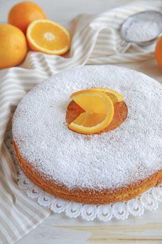 TORTA SOFFICE ALL' ARANCIA | Fatto in casa da Benedetta Rossi Almond Cakes, Biscotti, Homemade Cakes, Italian Recipes, Orange, Panna Cotta, Cake Recipes, Delish, Cake Decorating