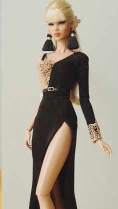 the janchor - Barbie Gowns, Doll Clothes Barbie, Barbie Dress, Fashion Royalty Dolls, Fashion Dolls, Fashion Dresses, Barbie Model, Barbie Style, Moda Fashion