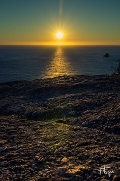 Atardecer en el Faro de Finisterre,  A Coruña - 1/160seg, f/13, ISO 400, 17mm  Un paseo #fotografico por el norte de #España.