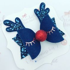 Medium sized bow 3 inches All our bows come on clips. If you would prefer your bow to be on a elasticated headband, then please leave your. Making Hair Bows, Diy Hair Bows, Diy Bow, Christmas Hair Bows, Christmas Crafts, Felt Bows, Bow Earrings, Bow Template, Diy Hair Accessories