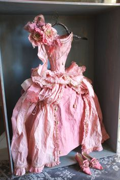 Pink Paper Dress by Miss Clara Photo JE.......