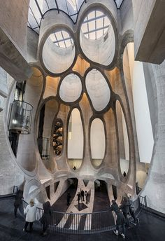 Zeitz Mocca, photo: © Iwan Baan, Antonia Steyn – A grain silo was converted into a museum in Cape Town. It resembles a huge honeycomb and is still a large concrete block. It contains the world's largest museum for contemporary art from Africa. Architecture Cool, Cultural Architecture, Architecture Awards, Contemporary Architecture, Museum Architecture, Parametric Architecture, Historic Architecture, Architecture Magazines, Studio Arthur Casas