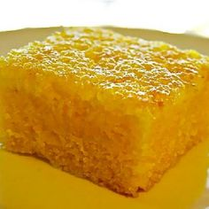 A quick and easy Brazilian cornmeal cake recipe. This recipe is from my cousin Kathy from Food For Every Season. Lactose Free Diet, Sans Lactose, Sin Gluten, Cornmeal Cake Recipe, Vegetarian Bake, Homemade Cakes, Dairy Free Recipes, No Bake Cake, Love Food