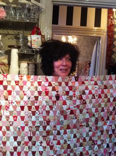 I love this quilt---little tiny tumblers....IMG_0178