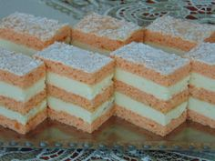 Rozi Erdélyi konyhája: Flamingó szelet Hungarian Desserts, Hungarian Recipes, Garlic Bread, Vanilla Cake, Cake Recipes, Biscuits, Sweets, Vegan, Cookies