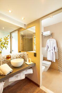 Idea para decorar baño de apartamento pequeño en color amarillo
