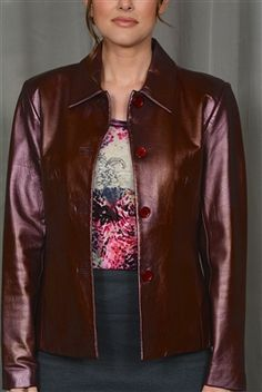 This retro looking beautiful leather jacket has a rich, soft & supple leather. Dress it up with a nice pair of black trousers or make it casual with a cool pair of faded jeans! Would be a perfect jacket for a Go Western day!!