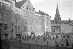 Aleksanterin kansakoulu 1948 Big Town, Ancient History, Finland, Street View, Black And White, Building, Travel, History, Black White