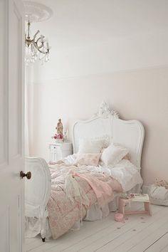Beautiful Blue Shabby Chic Bedroom Ideas – Shabby Chic Home Interiors Shabby Chic Interiors, Shabby Chic Bedrooms, Shabby Chic Homes, Shabby Chic Furniture, Shabby Cottage, Vintage Furniture, Romantic Bedrooms, Pink Bedrooms, Country Furniture