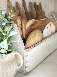 Unfitted Kitchen, Farmhouse Decor, Country Farmhouse, French Country, Kitchen Must Haves, Home Decor Inspiration, Decor Ideas, Cozy House, Country Kitchen
