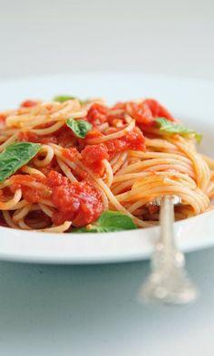 http://www.popsugar.com/food/Easy-Pasta-Recipes-41752415