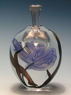 Richard Satava Art Glass Perfume Bottle, high with stopper. Perfume Atomizer, Antique Perfume Bottles, Vintage Bottles, Parfum Mademoiselle, Perfume Vintage, Glas Art, Beautiful Perfume, Bottle Art, Glass Bottles