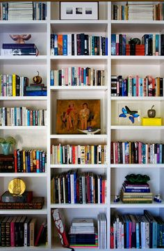 Dwellers Without Decorators: Top 7 Bookshelf Styling Tricks and what not to do!