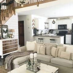 The little white farmhouse : Photo