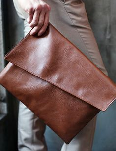 Simple design snap button closing fake leather square clutch bag all three colors もっと見る