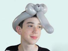 Balloon animals twisting instructions: Balloon elephant hat
