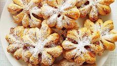 Perinteisten puolikuiden ja tähtien sijaan joulutortut leivotaan tänä vuonna kauniiden lumihiutaleiden muotoon.