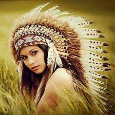American Indian Girl, Native American Girls, Native American Pictures, Native American Beauty, Indian Women Tattoo, Indian Tattoo Design, Native American Headdress, Native Girls, Fantasy Art Women