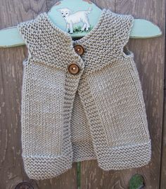DIY Inspiration: Simple but effective top-down yoke shaped baby cardigan.