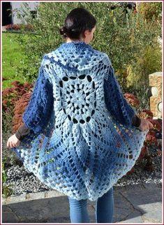 Fabulous Crochet a Little Black Crochet Dress Ideas. Georgeous Crochet a Little Black Crochet Dress Ideas. Poncho Crochet, Crochet Vest Pattern, Crochet Mandala, Knitting Patterns, Knit Crochet, Crochet Patterns, Baby Dress Patterns, Knitted Booties, Knit Baby Dress