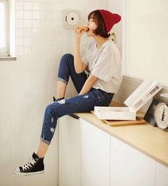 //OUTFIT// 빈티지 워싱디자인의 배기 진 ~ vintage washing design jeans in blue x grey top Action Pose Reference, Human Poses Reference, Pose Reference Photo, Female Reference, Figure Drawing Reference, Body Reference, Japonese Girl, People Poses, Sitting Poses