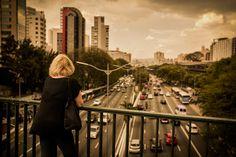 Por qual São Paulo caça Márcia Denser? O que se apagou e o que restou nos 30 anos dos contos de Diana Marini. Texto: Schneider Carpeggiani. Fotos: Fabio Seixo. Suplemento Pernambuco, edição 129, novembro de 2016.