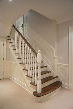 treppenhausgestaltung eingangsbereich mit flur und treppe ideen rund ums haus pinterest. Black Bedroom Furniture Sets. Home Design Ideas
