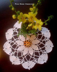Centrinho de Crochê Flor e Flores