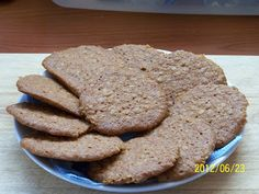 farkaselet: Nagyon ropogós zabpelyhes keksz Winter Food, Favorite Recipes, Homemade, Cookies, Baking, Eat, Foods, Crack Crackers, Food Food