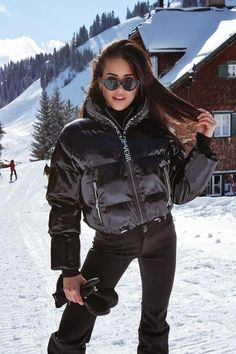 Snow Outfits For Women, Cute Lazy Outfits, Clothes For Women, Snow Fashion, Winter Fashion Outfits, Autumn Winter Fashion, Snow Boots Outfit, Apres Ski Outfits, Snowboard Girl
