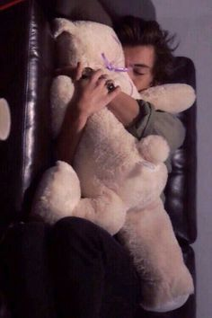 One Direction Harry Styles Larry Stylinson, Harry Styles Sleeping, He Makes Me Happy, Louis And Harry, I Love One Direction, 0ne Direction, 1d And 5sos, Harry Edward Styles, Boys Who