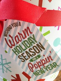 Isn't this a cute way to spruce up those {super addicting} popcorn tins during the holidays! Finley's teachers will be getting one this year. retiring teacher gifts, gifts teachers want, teacher presents Christmas Popcorn, Neighbor Christmas Gifts, Christmas Tag, Christmas Ideas, Neighbor Gifts, Christmas Things, Christmas Quotes, Christmas Wrapping, Christmas 2019