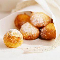 Ricotta cheese fills these delicious doughnuts. More breakfast recipes: http://www.bhg.com/recipes/breakfast/brunch/our-best-brunch-breads/?socsrc=bhgpin031813italiandoughnuts