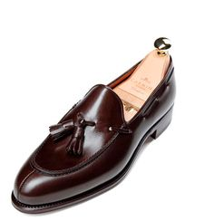 Carmina, Tassel Loafer Forest Last. Tassel Loafers, Leather Loafers, Loafers Men, Brogues, Hot Shoes, Men's Shoes, Dress Shoes, Shoes Men, 1940s Mens Clothing