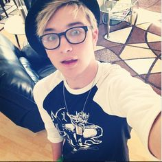 Just when you think Dalton can't get any hotter, he proves you wrong. I love the hat and glasses on him.