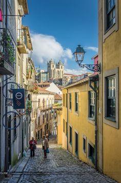As ruas do Porto www.webook.pt #webookporto #porto #ruasdoporto Foto de Raúl Cid Del Alamo