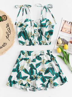 To find out about the Floral Print Knot Shoulder Cami With Shorts at SHEIN, part of our latest Two-piece Outfits ready to shop online today! Crop Top Outfits, Cute Casual Outfits, Cute Girl Outfits, Mode Outfits, Cute Summer Outfits, Short Outfits, Stylish Outfits, Girls Fashion Clothes, Summer Fashion Outfits