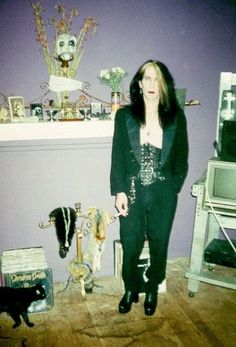 Rozz Williams. A vocalist, musician, writer and painter. At the age of 34, on April the 1st, 1998, he hanged himself in his West Hollywood apartment. He was most famous for his band Christian Death. Other projects he made were Shadow Project, Premature Ejaculation, The Happiest Place On Earth, Daucus Karota, Heltir and EXP. He also made a full length album collaboration with Gitane Demone and released two solo albums. ♥