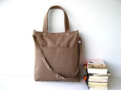 Simply Tote Bag in Light Brown - unisex -.