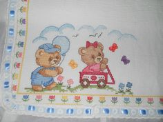 Gallery.ru / Фото #2 - Manta de Ursinhos - crismello Baby Embroidery, Cross Stitch Embroidery, Baby Sheets, Cross Stitch Baby, Hobbies And Crafts, Baby Pictures, Needlepoint, Crochet Baby, Stitch Patterns