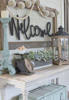 Awesome 45 Farmhouse Entryway Decor Ideas https://homearchite.com/2017/08/22/45-farmhouse-entryway-decor-ideas/