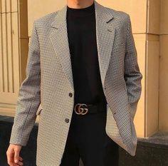 urban mens fashion that look trendy. Korean Fashion Men, Fashion Mode, Aesthetic Fashion, Aesthetic Clothes, Look Fashion, Winter Fashion, Urban Aesthetic, Fashion Styles, Diy Fashion