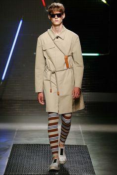 MGSM presented its Spring/Summer 2016 collection during Milan Fashion Week. Mens Fashion Summer Outfits, Mens Fashion Week, Fashion Show, Milan Fashion, Men's Fashion, Vogue Paris, Summer Wedding Menswear, Mens Fashion Sweaters, Indian Men Fashion
