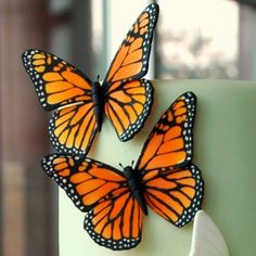 The Butterfly Stencils come in Monarch too!  Is it wrong to just add a butterfly to every cake I do this year?  Brides won't mind ;)