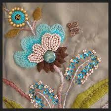 Resultado de imagen para bolsos bordados en rococo