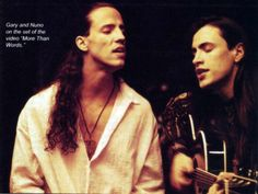 Gary Cherone and Nuno Bettencourt | place for photoshoots and live show's pictures of Mr. Bettencourt.